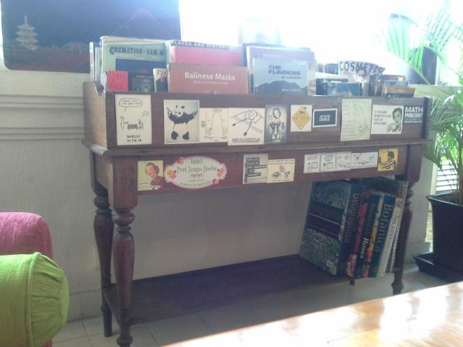 Magazine shelf^^